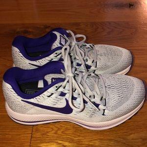 *WORN ONCE* Nike Zoom Vomero 12 Sneakers